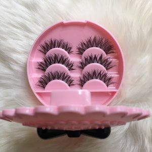 Other - Pink Lash Case With 3 Pairs Eyelashes